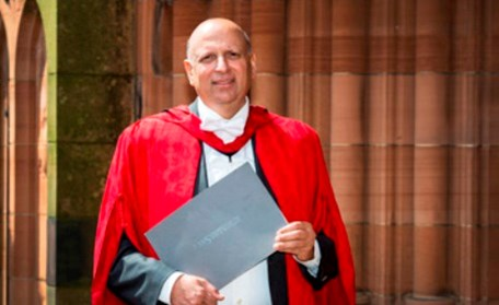 Governer-of-Punjab-Ch.-Mohammad-Sarwar-gets-honorary-Ph.D-from-University-of-West-of-Scotland.